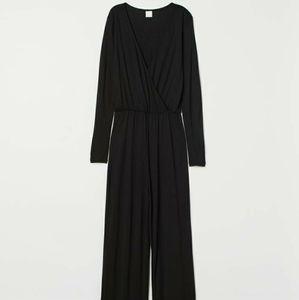 H&M black flattering v-neck jumpsuit